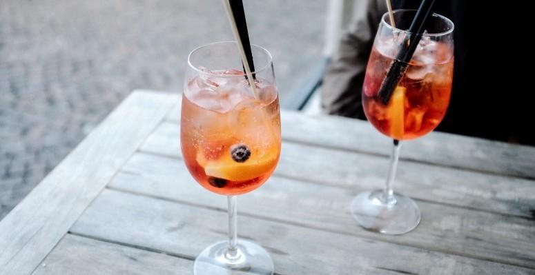 beverages-1842643_1920